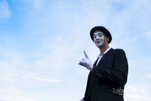 échassier, acrobate, jongleur