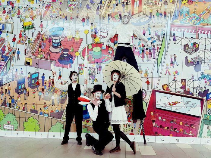 échassier, jongleur, comédien